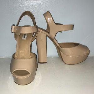 Steve Madden women's size 10 nude chunky heels